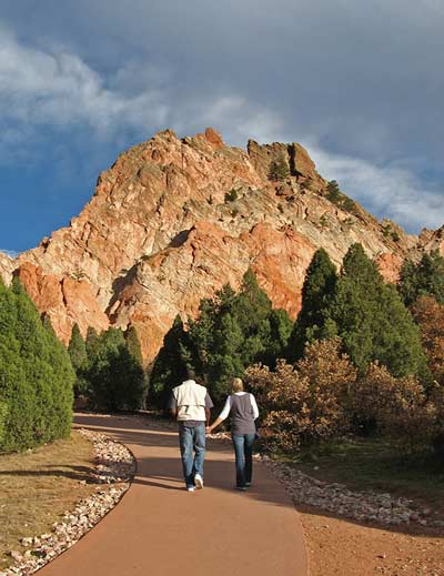 Kick off summer in colorado springs colorado avidgolfer for Garden of the gods hiking trails