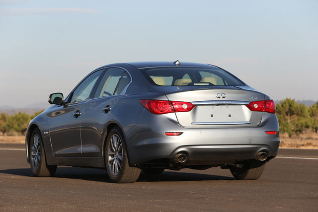 Infiniti Q50 2.0t review and photos