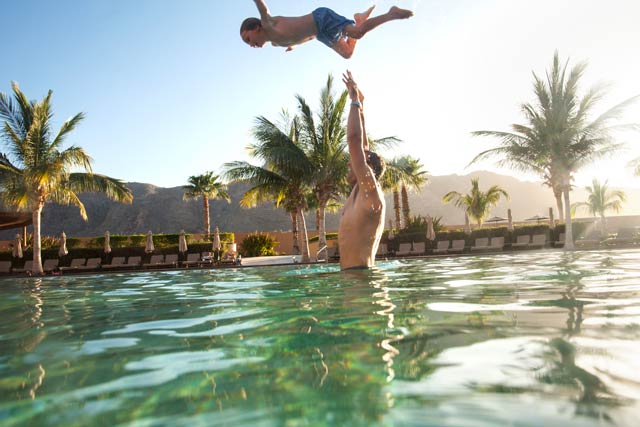 Pool and family activities at Villa del Palmar Loreto Mexico