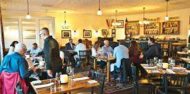 wooden-table-restaurant-colorado-620x372