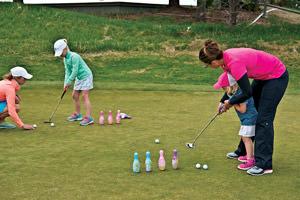 junior golf bowling pin game