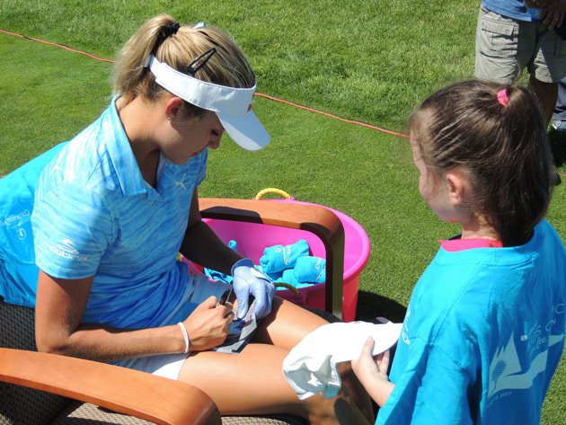 Lexi Signing