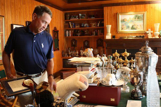 Davis Love with trophies