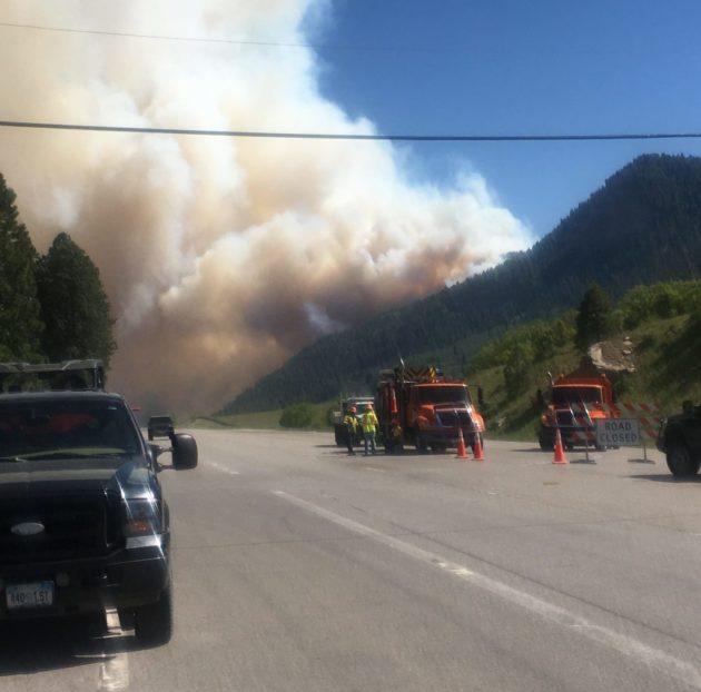 Post-evacuation scene on Highway 550 in Durango (Alex Fisher)