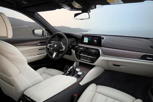 Cockpit of the BMW 640i