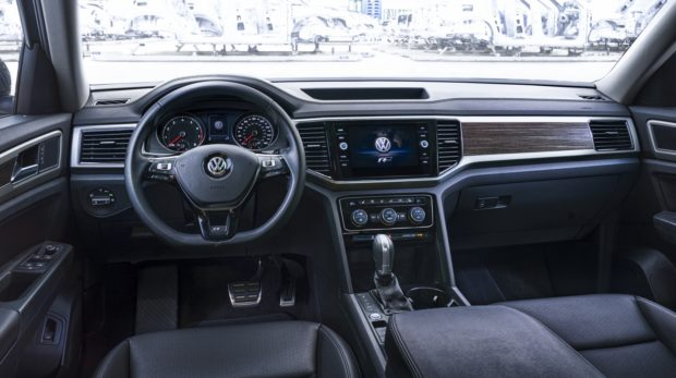 2018_Atlas_R-Line_Interior