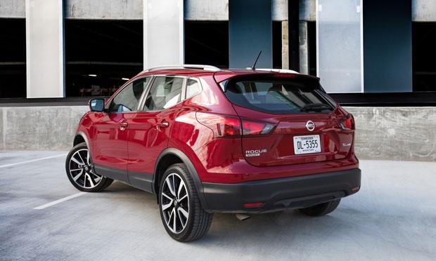 2018_Nissan_Rogue_Sport_Back
