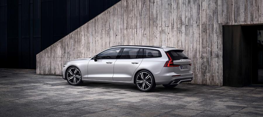 2019 Volvo V60 rear